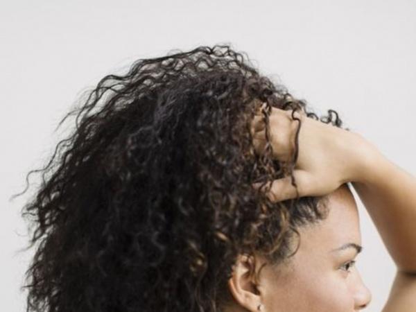 Quels sont les bienfaits de l'huile de jojoba pour les cheveux ?