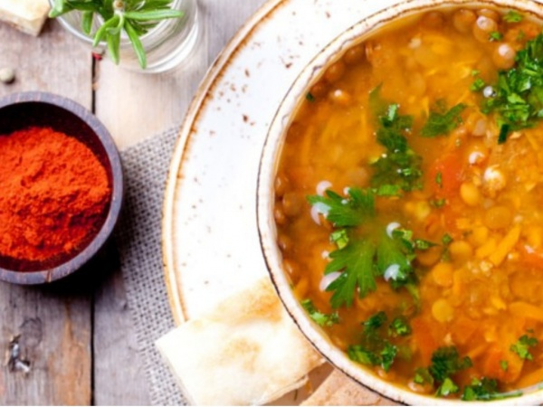 Préparer une recette protéines végétales maison.